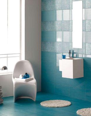 Mobili da italia qualit imagenes de banos pequenos - Banos con azulejos azules ...
